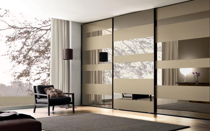 На что стоит обратить внимание, приобретая такую корпусную мебель, как шкаф-купе.