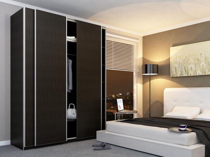 Ламинированная ДСП, из которой изготовлен каркас корпусной мебели, не должна быть тяжелой.