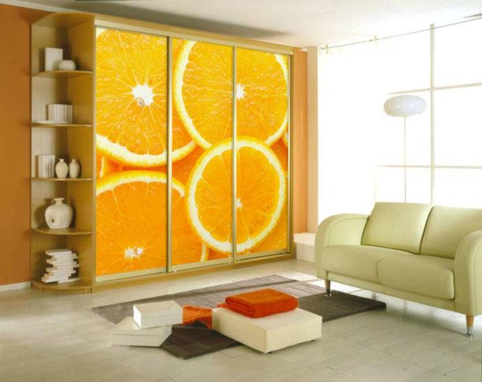 Шкаф-купе - корпусная мебель, которая может стать изюминкой домашней обстановки.