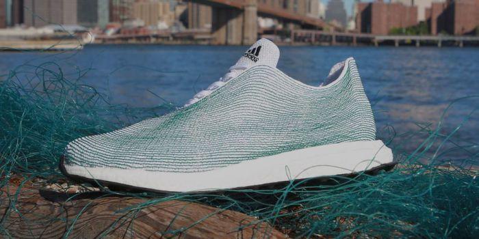 Новые кроссовки из мусора со дна океана от всемирно известной компании Adidas.