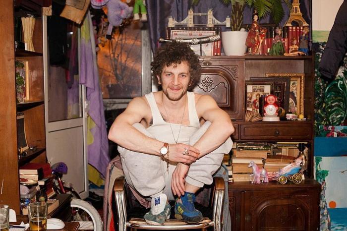 26-летний парень по имени Маканаче из столицы Румынии- города Бухареста.