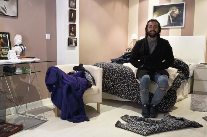33-летний мужчина по имени Альваро из столицы Испании - города Мадрида.