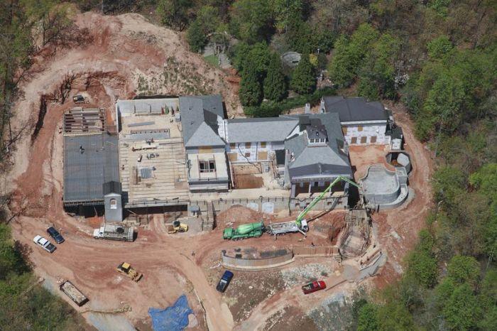 В Атланте (штат Джорждия, США) строят дом, в котором до мелочей продумана вся система охраны.