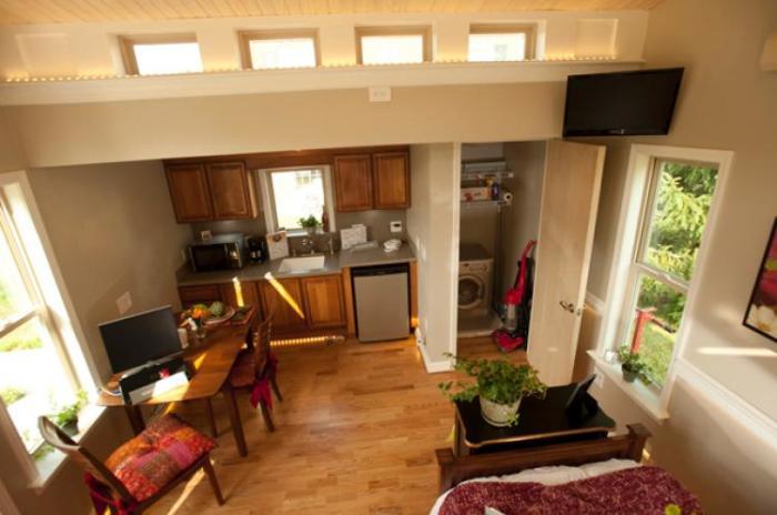 Уютный интерьер дома для пожилых людей «Granny Pod».