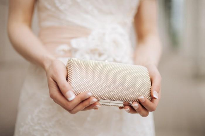 У невесты обязательно должен быть с собой набор вещей, которые могут понадобиться в любой момент.