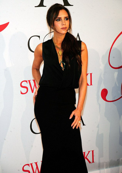 Обворожительная Виктория Бекхэм (Victoria Beckham) на церемонии вручения престижных наград в области моды «CFDA Awards 2015».