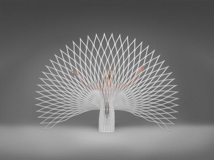 Кресло, напоминающее хвост павлина