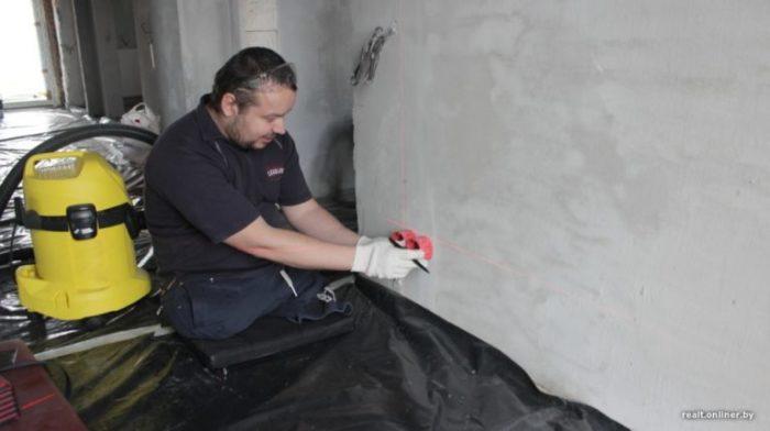 Находясь в инвалидном кресле, большинство строительных работ Вячеслав выполнял самостоятельно.