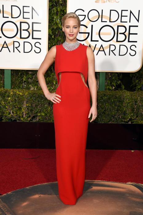 Американская актриса Дженнифер Лоуренс (Jennifer Lawrence) в платье от французского модного дома «Christian Dior».