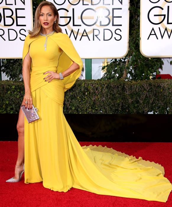 Американская актриса и певица Дженнифер Лопес (Jennifer Lopez) в платье от французского дизайнера итальянского происхождения Джамбаттиста Валли («Giambattista Vallie»).