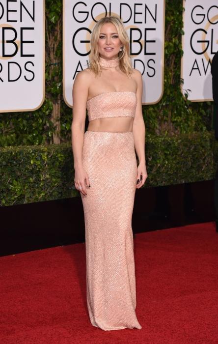 Американская актриса Кейт Хадсон (Kate Hudson) в платье от американского дизайнера Майкла Корса («Michael Kors»).