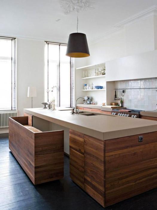 Кухонный остров, который трансформируется в обеденный стол.