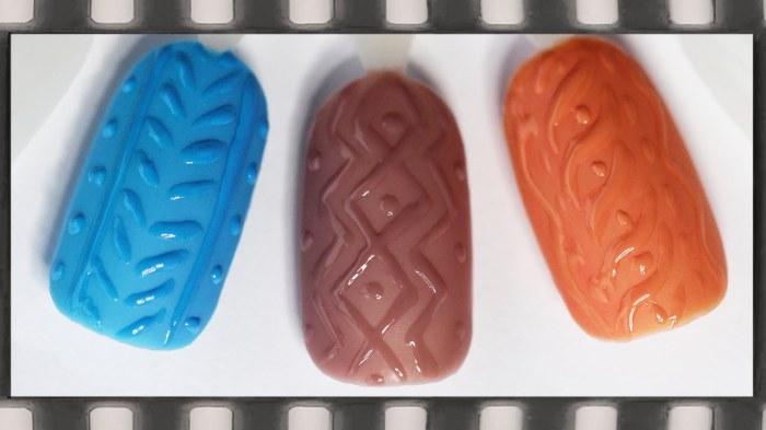 «Вязаный» маникюр - новинка для девушек, которые любят экспериментировать с рисунками на своих ногтях.