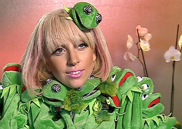 Леди Гага и лягушонок Кермит.