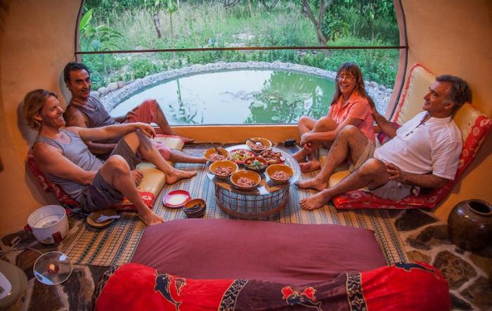 Уютный и комфортный дом посреди мангового поля в Таиланде.