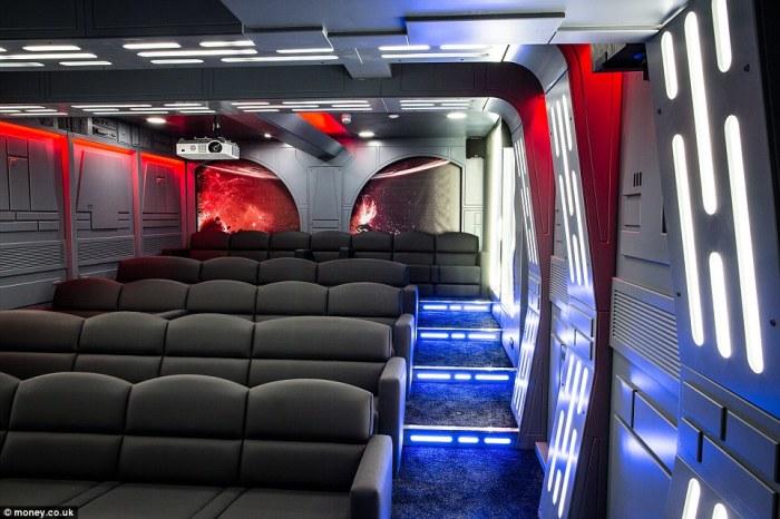 Кинотеатр в стиле «Звездных войн».