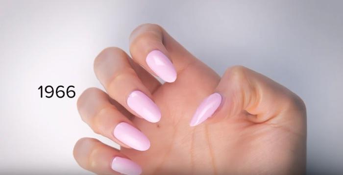 В шестидесятые годы прошлого столетия в моду вошел розовый цвет.