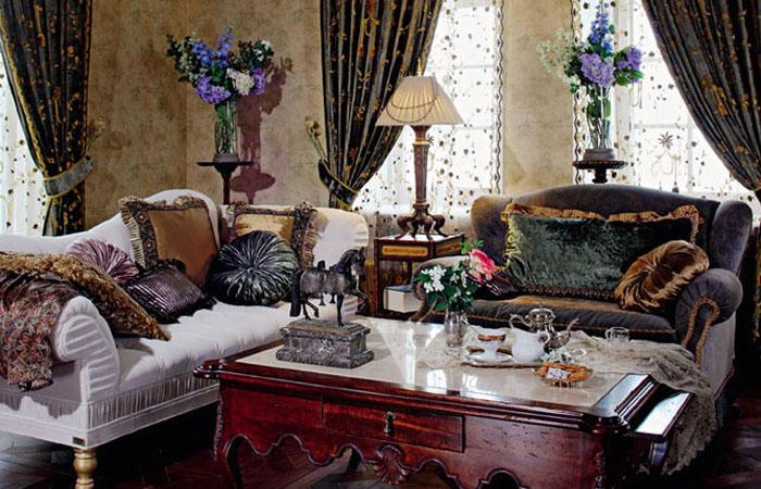 Бархатные диваны в доме Аллы Пугачевой и Максима Галкина.