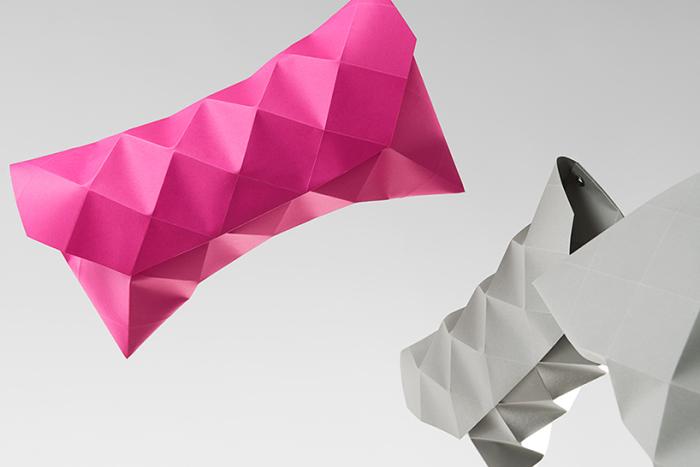 Футуристические клатчи, созданные из бумаги.