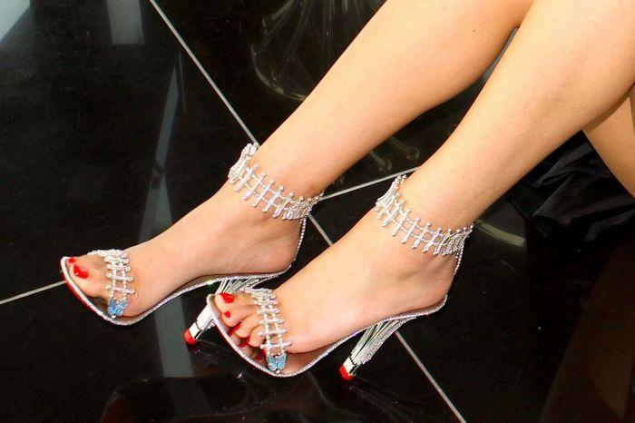 Новые туфли популярной американской певицы Бейонсе (Beyonce), которые она приобрела для съемок в своем новом клипе.