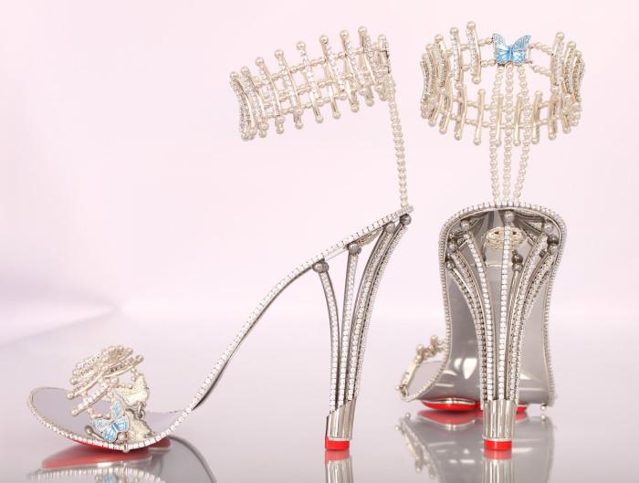 Бейонсе (Beyonce) шокировала общественность покупкой туфель с бриллиантами за триста тысяч долларов.