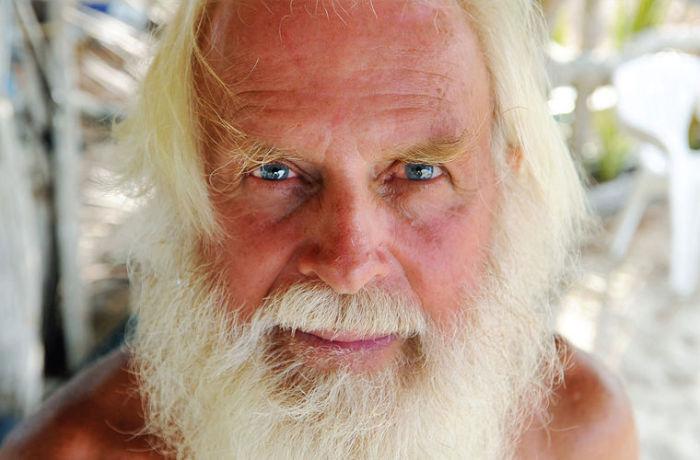 Дэвид Глэшин - 73-летний житель необитаемого острова у берегов Австралии.