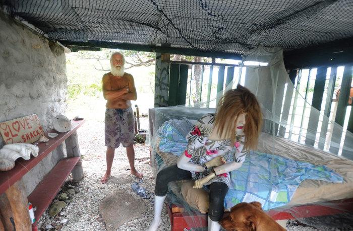 Дэвид Глэшин признается, что на острове ему живется одиноко.