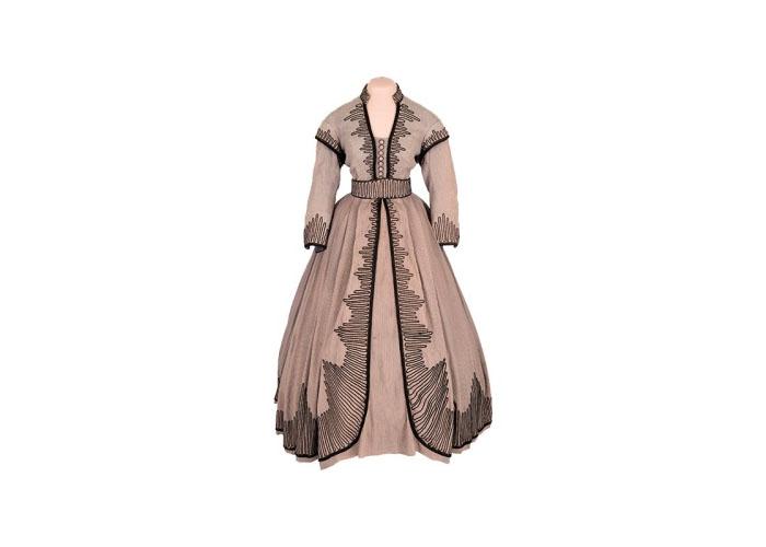 Платье из фильма Унесенные ветром продано за 137 тысяч долларов.