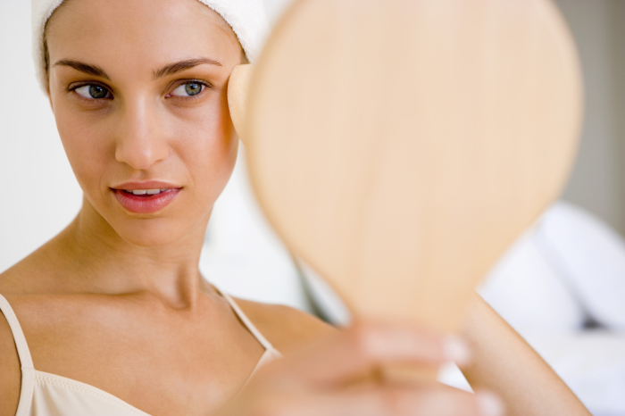 После процедуры очищения кожа лица требует дальнейшего ухода.