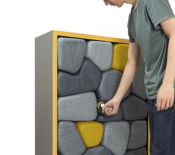 Шкафы в виде каменных стен.