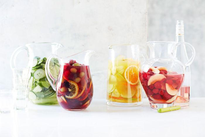 Свежие лимонады отлично освежают и наполняют организм витаминами.