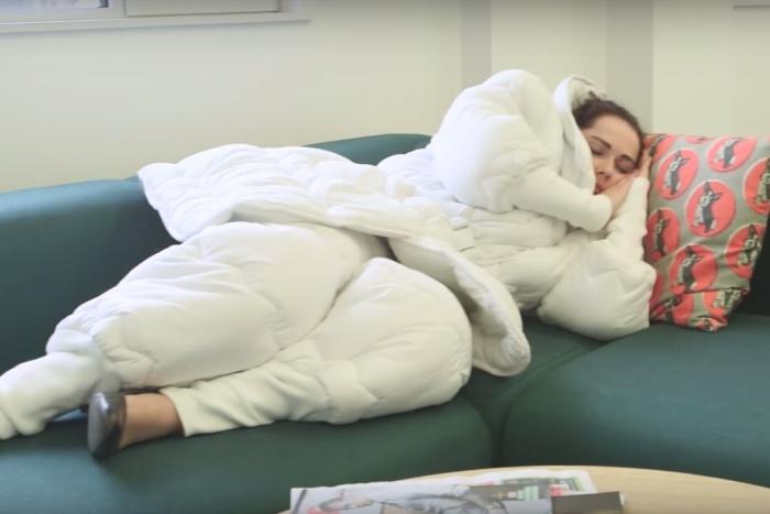 «Suvet» - костюм-одеяло для тех, кто страдает от того, что хронически не высыпается.