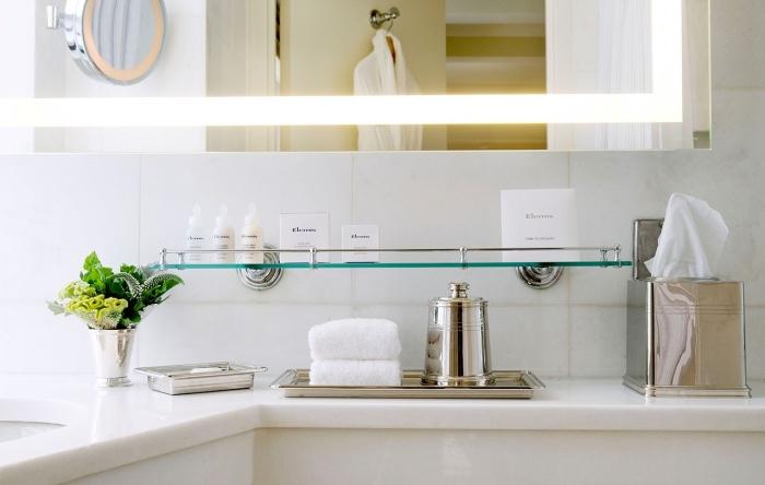 В дорогих отелях во время уборки санузлов никогда не используются хлорные отбеливатели.