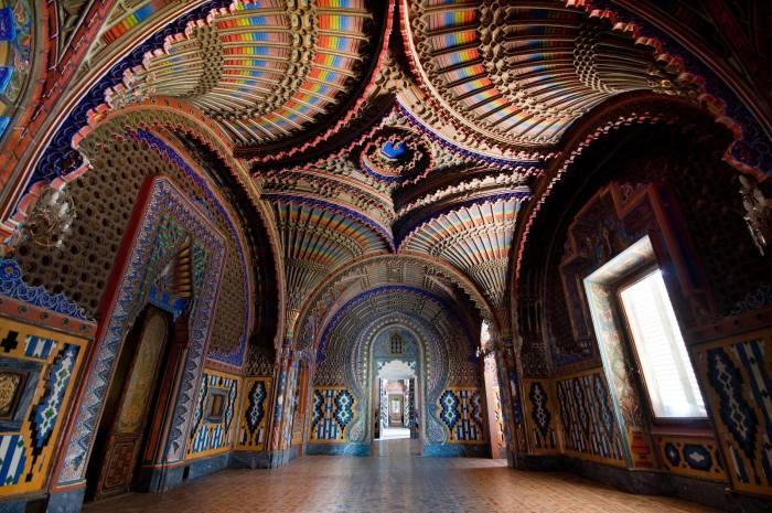 Павлинья комната, которая находится в замке Саммеццано, расположенном в Италии неподалеку от Флоренции.