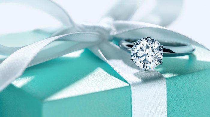 «Tiffany Setting» - самое популярное помолвочное кольцо, мечта миллионов девушек по всему миру.