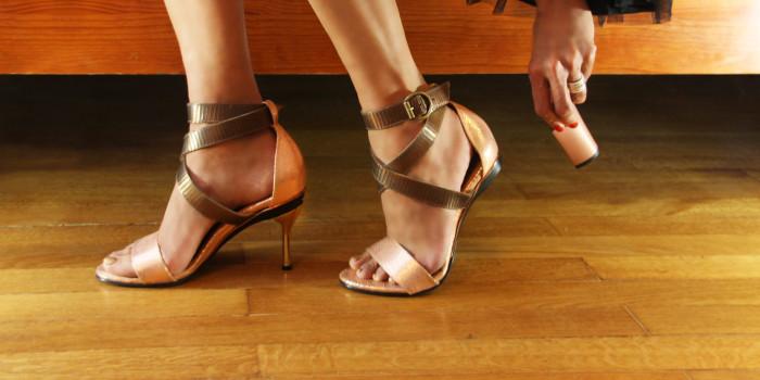 Босоножки на низком ходу и на каблуках - это одна и та же пара обуви.
