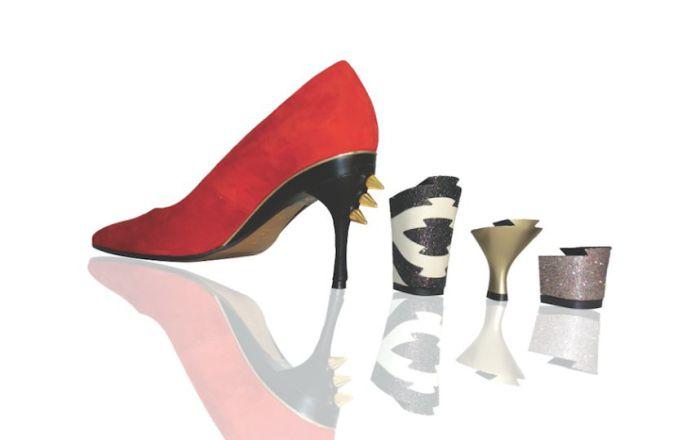 Парижский дизайнер Таня Хит (Tanya Heath) начала создавать трансформируемую обувь со сменными каблуками ещё в 2009 году.