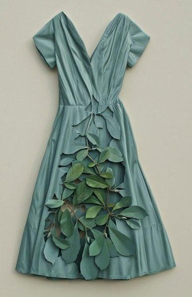 Платья американского художника Рона Айзекса выглядят очень натуралистично.