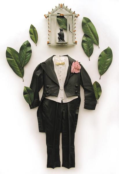 Предметы одежды из финской березы от американского дизайнера Рона Айзекса.