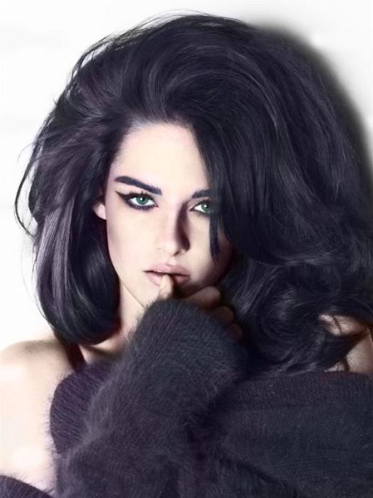 Если естественный цвет волос стал темнее, нужно обратить внимание на работу печени и желчного пузыря.