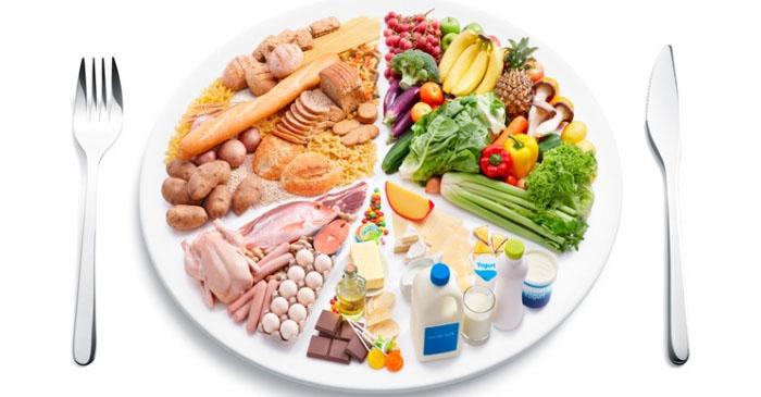 Зимой нужно включить в свой рацион продукты, богатые различными витаминами и минералами. Это поможет сохранить красоту и здоровье кожи, волос и ногтей.
