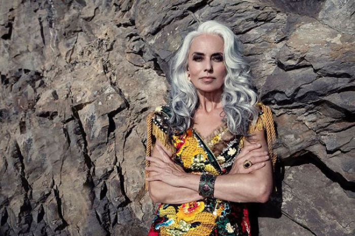 Американская модель французского происхождения, которая стала успешной уже после того, как ей исполнилось сорок лет.