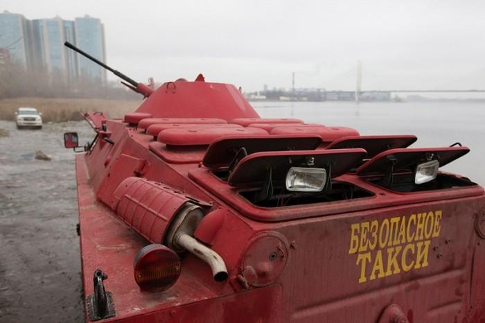 Такси в Санкт-Петербурге на основе БРДМ-2