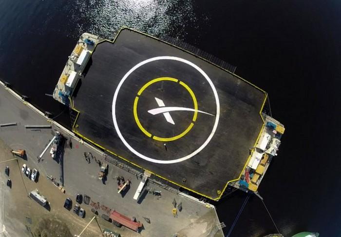 Плавающая платформа компании SpaceX