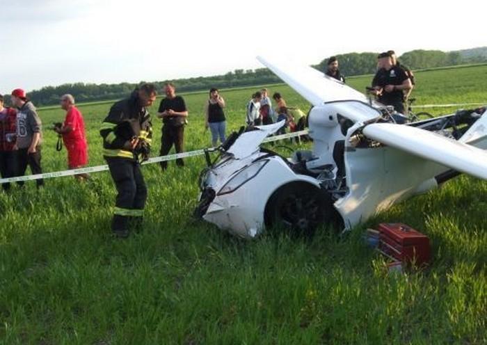 Летающий автомобиль AeroMobil после падения
