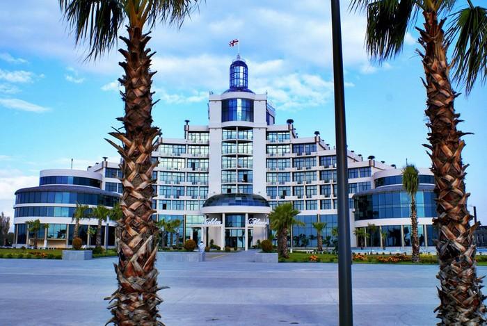Одна из курортных гостиниц в Анаклии