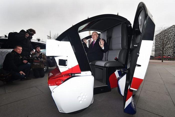 Миниатюрное беспилотное авто LUTZ Pathfinder