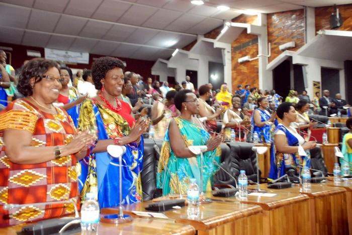 Заседание парламента в Руанде