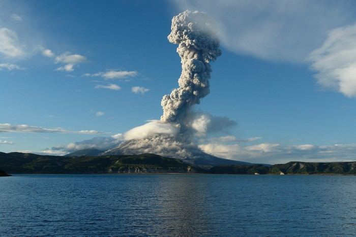 Извержение вулкана Эйяфьядлайёкюдль в Исландии