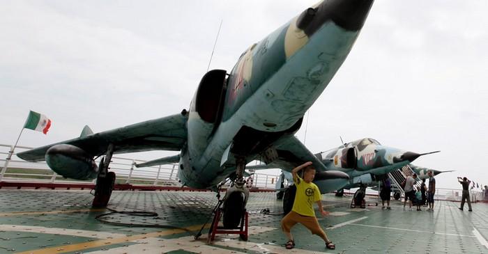 Китайский отель на основе старого советского авианосца